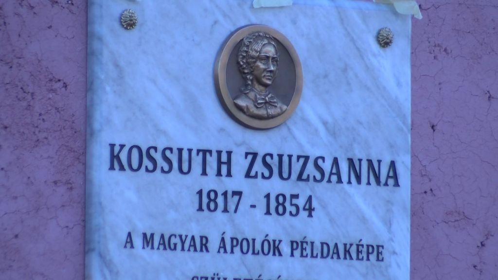 Emléktáblát avattak Kossuth Zsuzsanna szülőházánál