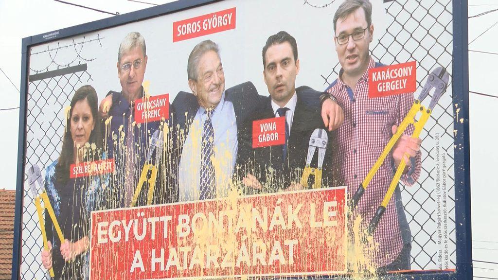 A Fidesz óriásplakátját rongálták meg Sátoraljaújhelyen