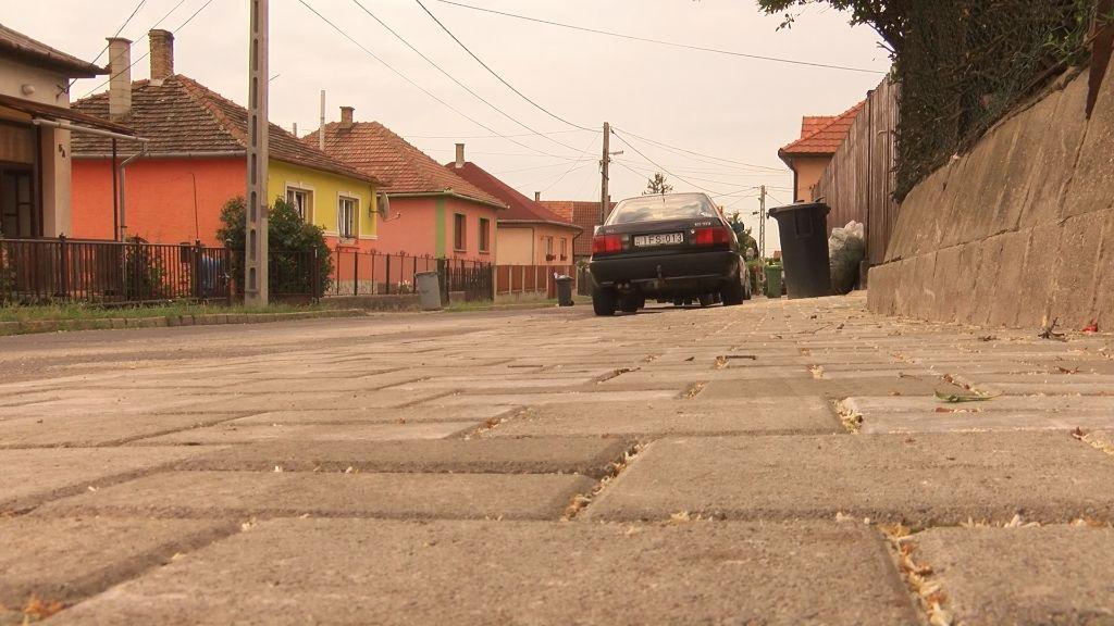 Megújult az Ady Endre utca egyik járdaszakasza Sátoraljaújhelyen