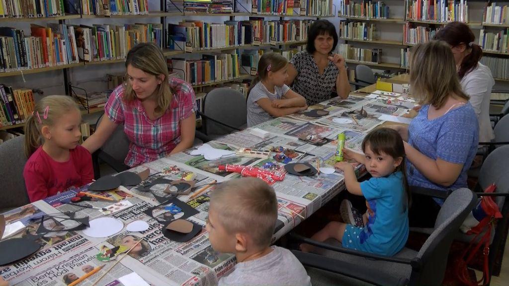 Kézműves kedd a Sátoraljaújhelyi Városi Könyvtárban