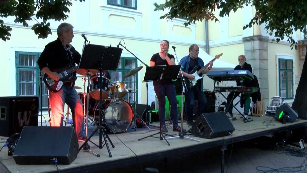 Idén második alkalommal rendezték meg az Újhelyi Zenészek Rock Találkozóját