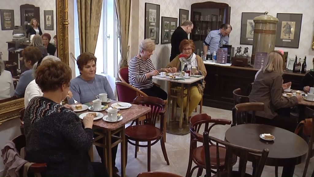Kávéházi délutánok: kugler, krémes, zserbó