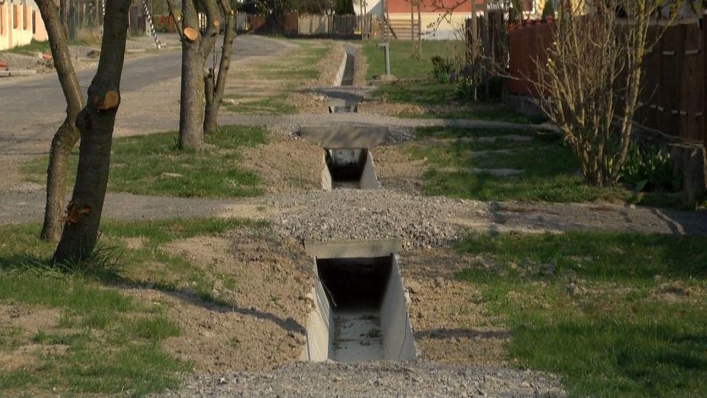 Jó ütemben halad a csapadékvíz-elvezetési beruházás Károlyfalván