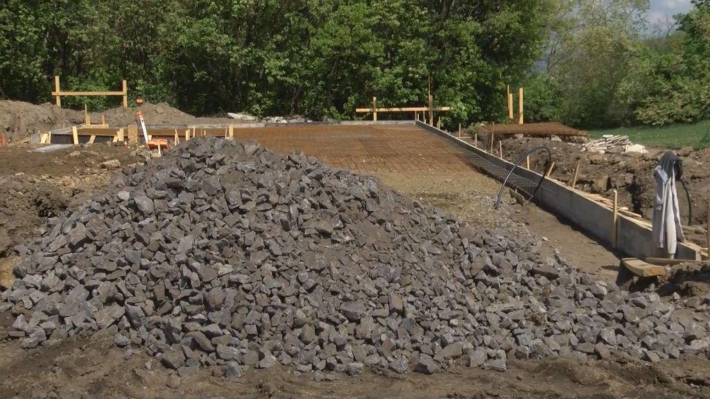 Elkezdődött a vár látogatóközpont építése Sátoraljaújhelyen