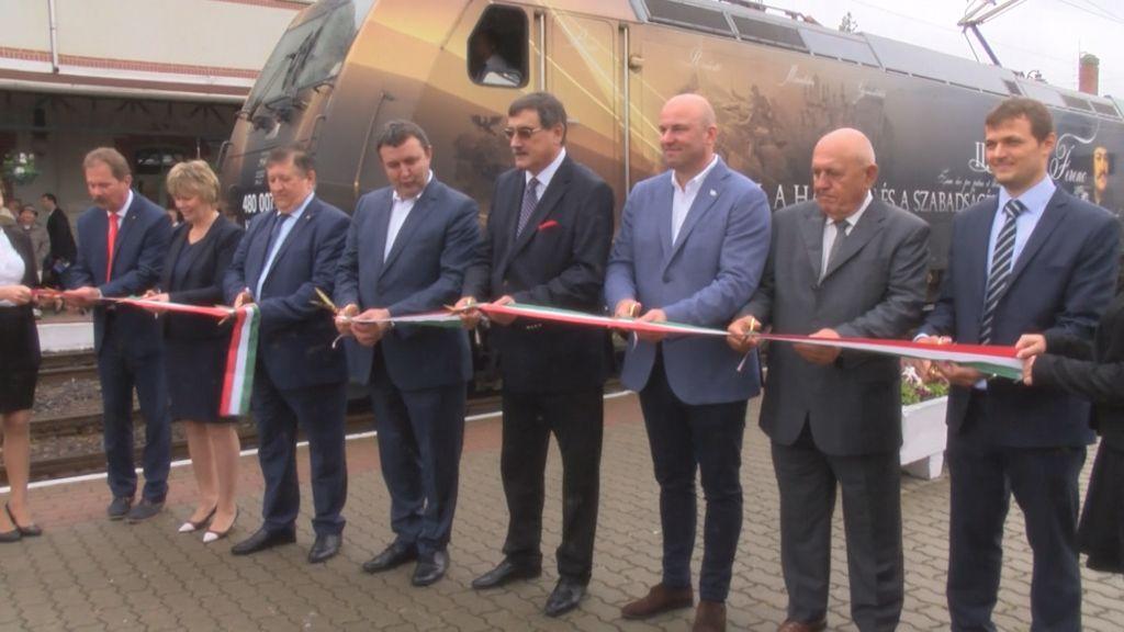 Átadták a villamosított Mezőzombor-Sátoraljaújhely vasúti szakaszt