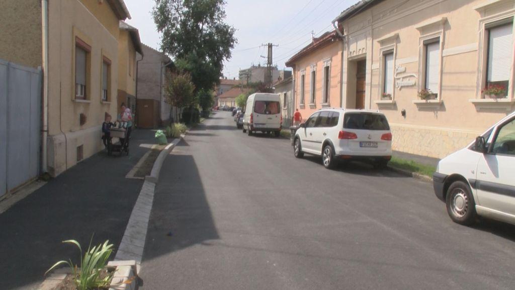 Megújul a Móricz utca teljes szakasza és a Barátszer utca járdája Sátoraljaújhelyen