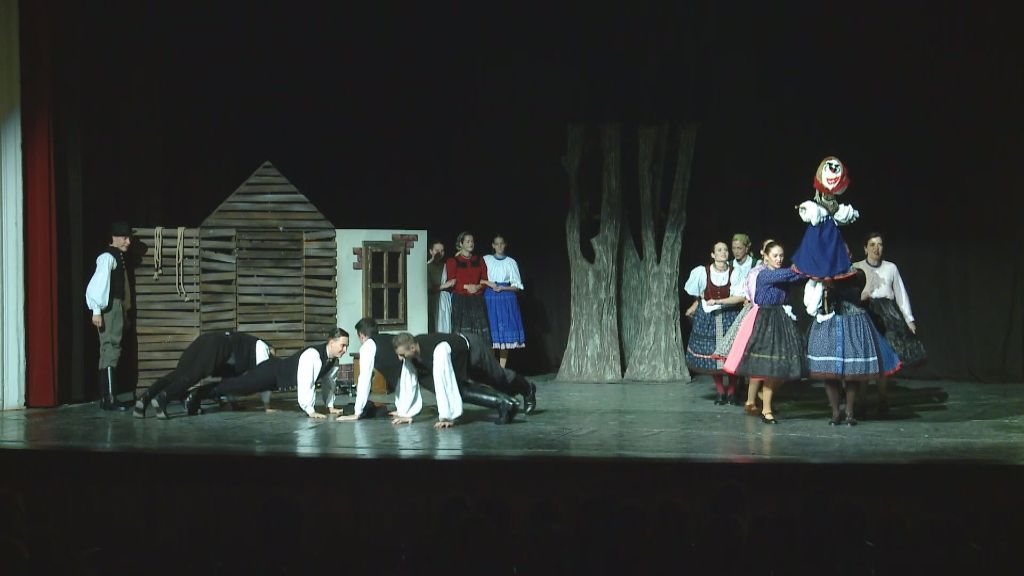 Szlovák nyelven mutatták be a Drótos Jankó című zenés mesejátékot Sátoraljaújhelyen