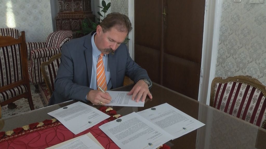 Nem zárják be a gyermekosztályt, de a stabil működéshez partnereket keres Sátoraljaújhely polgármestere