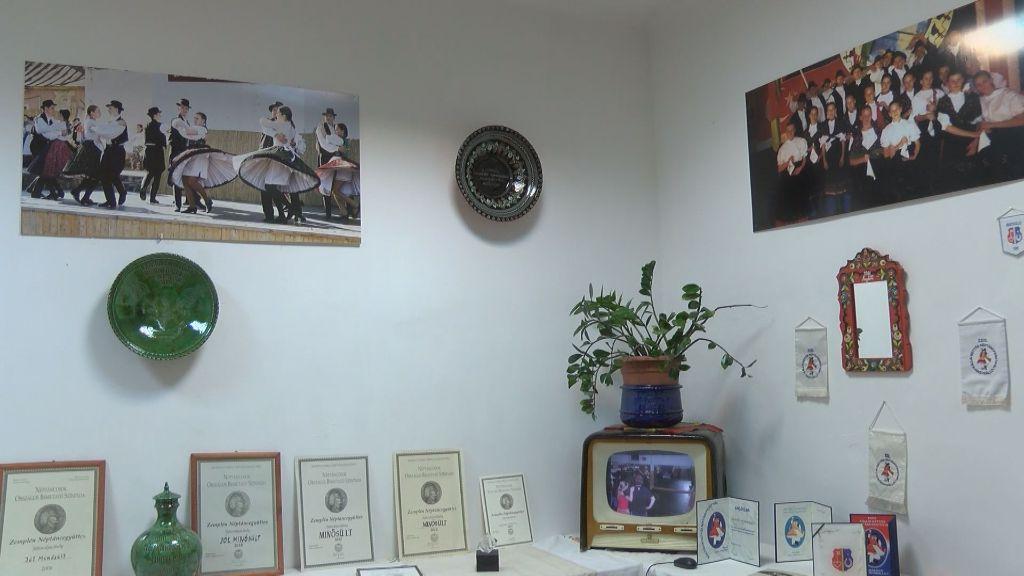Kiállítás nyílt a Zemplén Néptáncegyüttes elmúlt 20 évéről