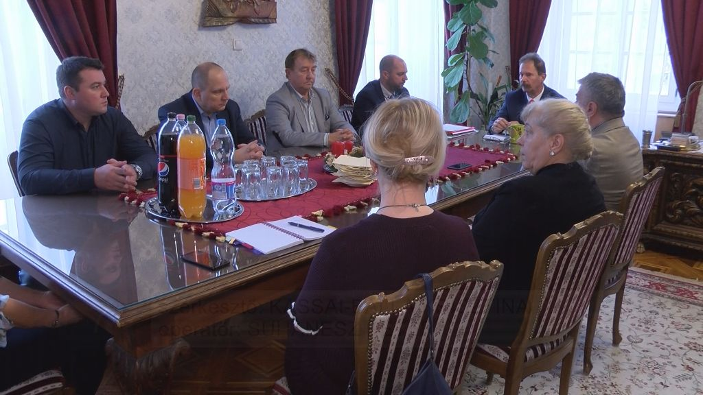 Felvidéki egészségügyi intézmények vezetőivel tárgyalt Sátoraljaújhely polgármestere