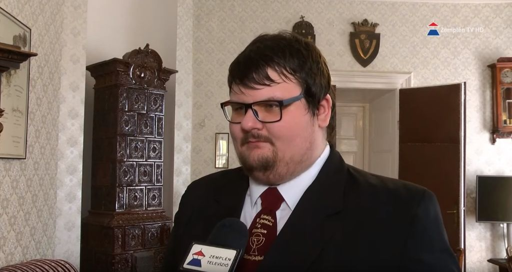 Polgármester ösztöndíjasa