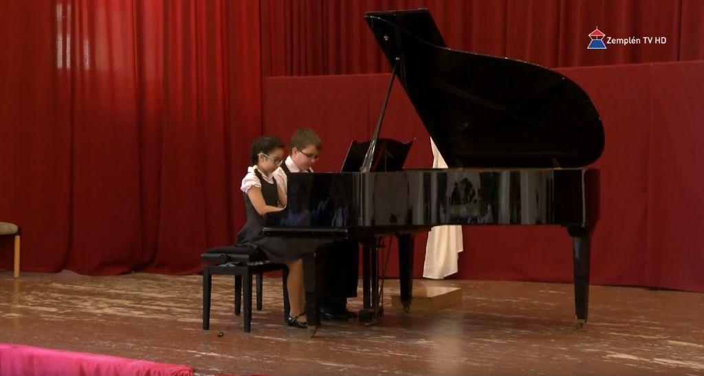 Verbunkos négykezes zongoraverseny