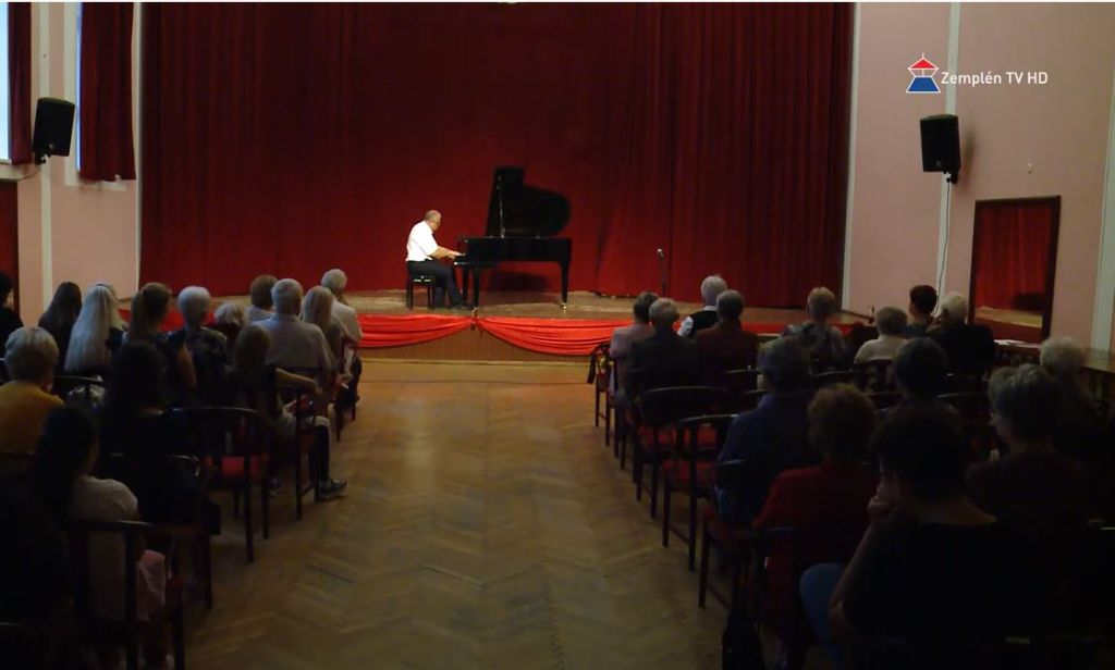 Komolyzenei est Sátoraljaújhelyben Horkay Tamás zongoraművész előadásában