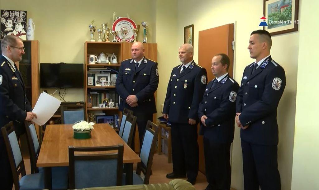Rendőröket jutalmaztak a Sátoraljaújhelyi Rendőrkapitányságon